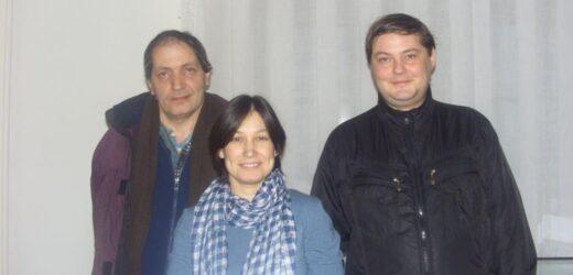 Председатель ЛИТо Алена Каримова в окружении коллег по поэтическому цеху