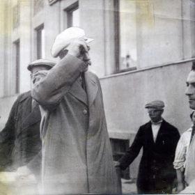 Фотография. Встреча А.М. Горького в казанском речном порту.