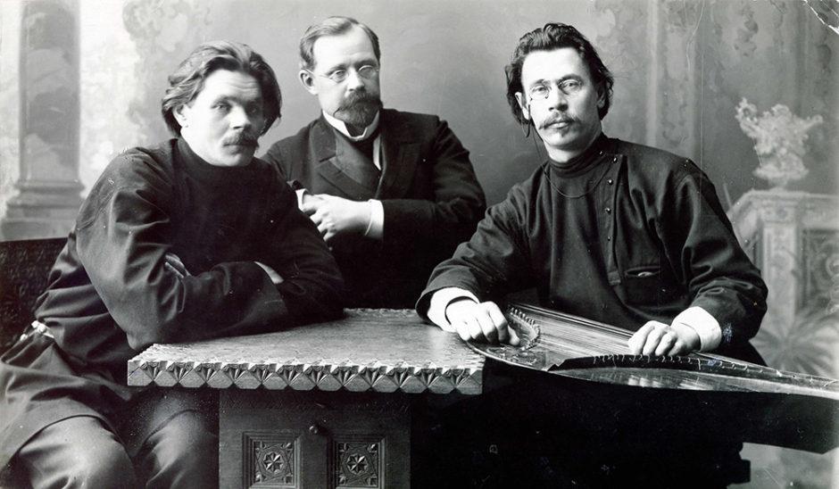 А.М. Горький, К. Пятницкий, С. Скиталец. 1902