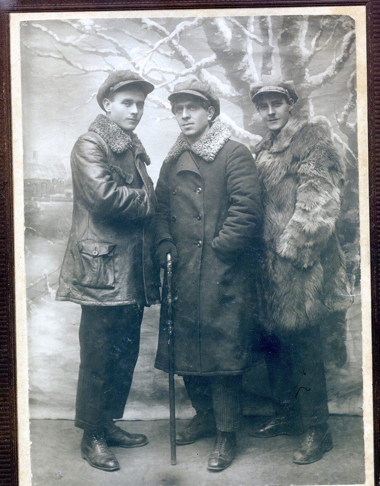 Г.Минский, Х.Такташ, А.Кутуй. 1930 г.