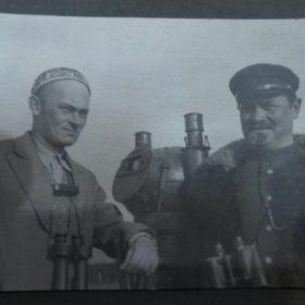 «Любовь к Северу». Часть 2 (Фото. М.А. Пешков с капитаном парохода «Глеб Бокий» А.Штейнбергом.1931)