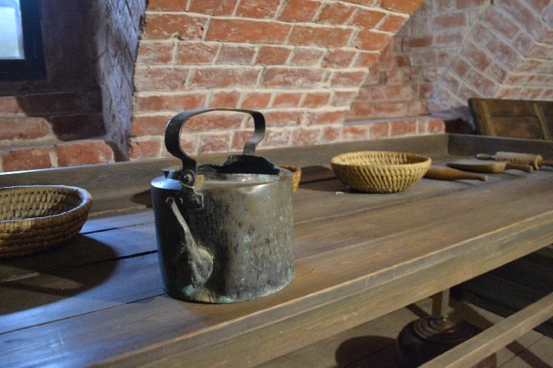Комплекс предметов в мемориальном подвале- пекарне