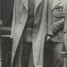 Фото. А.М. Горький и М.А. Пешков у Мавзолея. Москва.1928