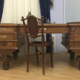 Письменный стол из Казанской уездной земской Управы. Казань, 1880-е