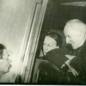 Фото. А.М.Горький провожает Р.Роллана с Белорусского вокзала. Москва. 21 июля 1935 г.