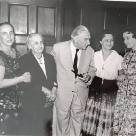 Фото. И.К.Федина, Е.П.Пешкова, К.А.Федин, Д.М Пешкова, М.М.Пешкова. Москва.1961