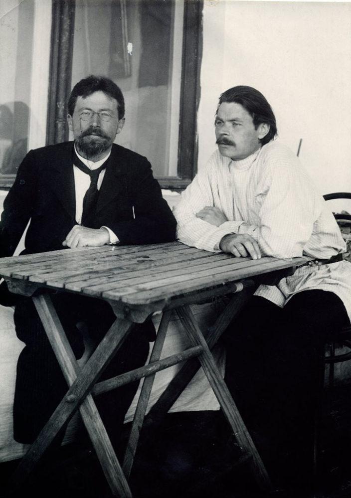 Фото. А.П. Чехов и А.М. Горький. Ялта. 1900
