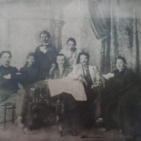 А.М. Горький и др. в гостях у И.Е. Репина. Куоккала. 1905
