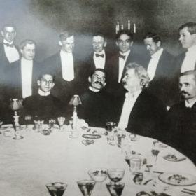 Фото. А.М.Горький и Марк Твен на обеде, организованным американскими писателями. Нью-Йорк, 1906 г.