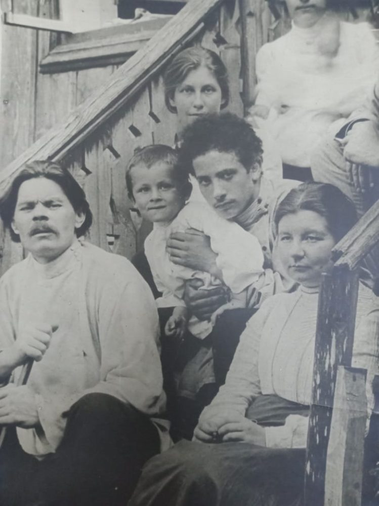 А.М. Горький, В.Н. Кольберг, З.А. Пешков и др. Арзамас.1902