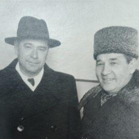 Фото. Амирхан Еники и Наки Исанбет. Казань. 1958
