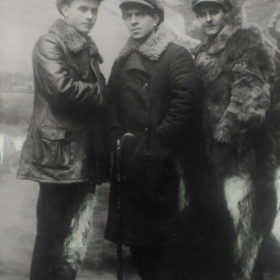 Фото. А.Кутуй, Г.Минский, Х.Такташ. Казань.1920-е