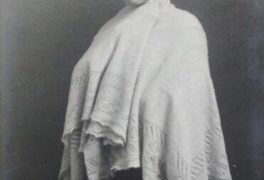 Фотооткрытка. В.В.Барановская в роли Ирины в пьесе А.П.Чехова «Три сестры» в постановке МХТ. Москва, 1911 г.
