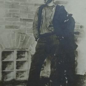 Фотооткрытка. К.С.Станиславский в роли Сатина в пьесе А.М.Горького «На дне». Москва.1900-е