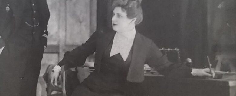 Сцена из спектакля «Враги» в постановке МХАТ СССР
