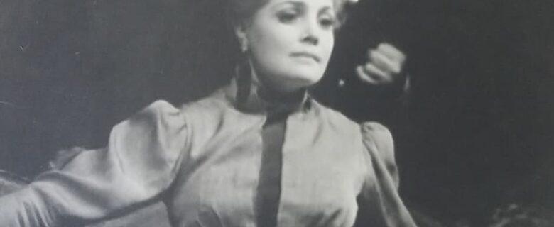 Сцена из спектакля «Варвары» в постановке Большого драматического театра